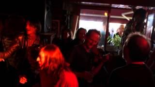 "La Bastard ""I Wanna Tell You Something"" Live at Le Chaland Qui Passe, Binic, France"
