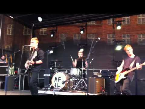New Tomorrow - A Friend in London (Live in Viborg)