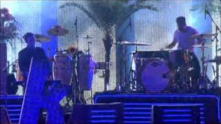 THE KILLERS - TRANQUILIZE (LIVE AT OXEGEN 2009) HQ