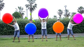 Giant Balloons Color Song with Guka