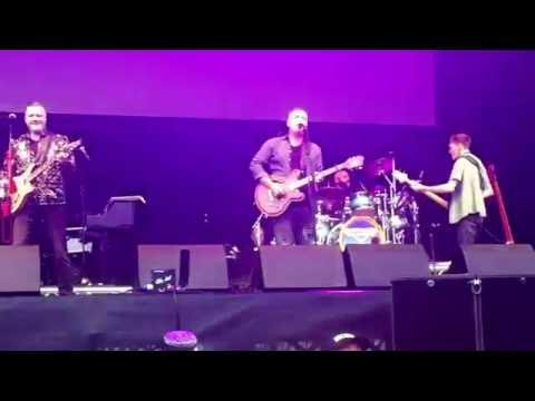 Barenaked Ladies : Jim's bass solo / One Week @ Bingley Music Live - (3rd Sept 2016)