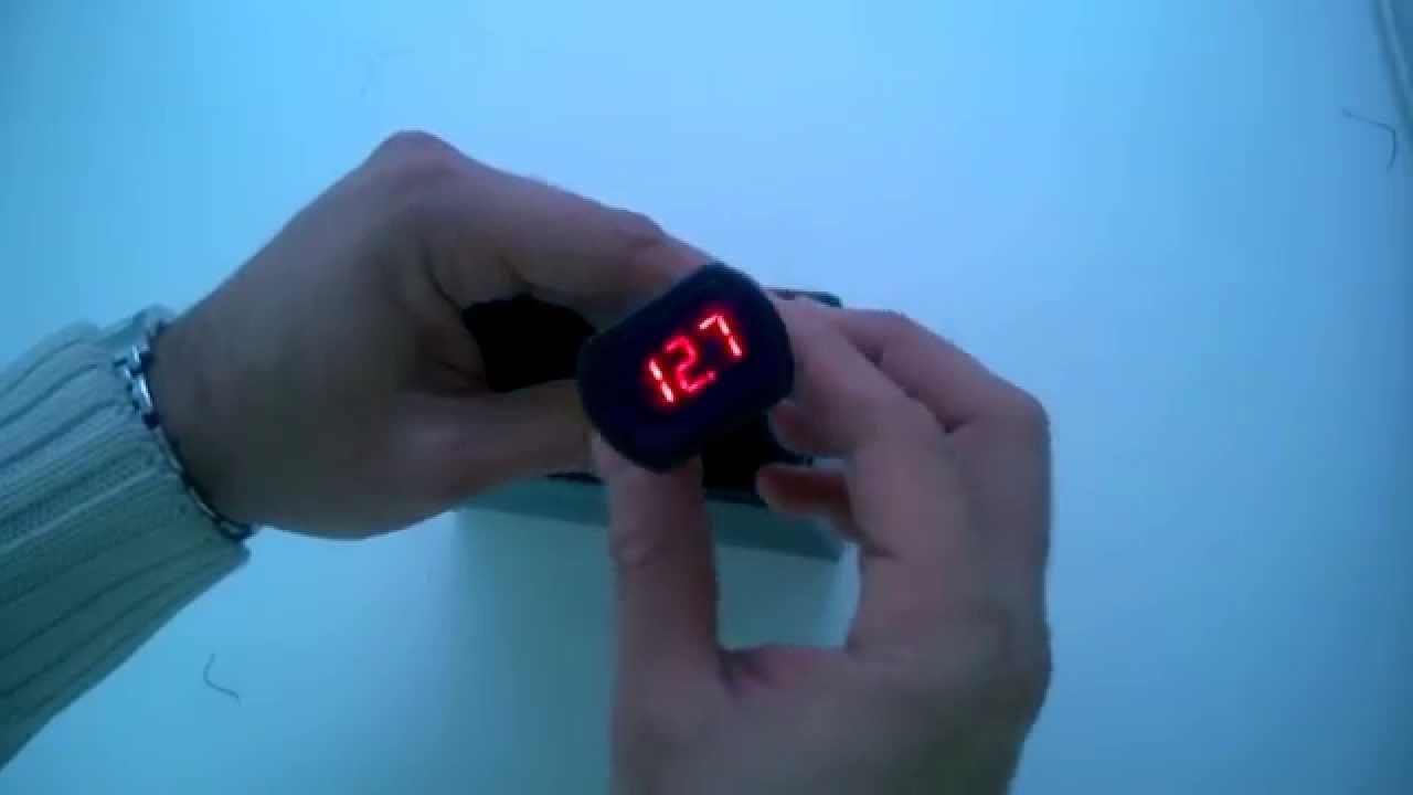 Измеритель напряжения вольтметр автомобильный LCD