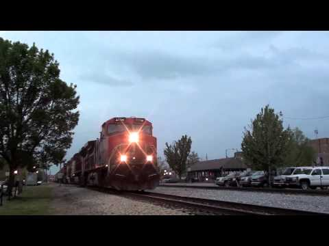 MUST SEE!!! Railfanning in Carbondale, IL (4/23/13 - 4/24 ...
