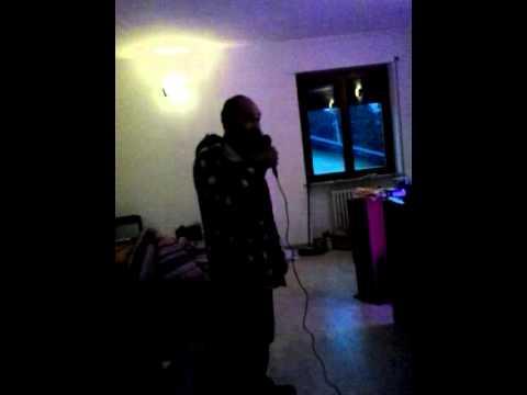 Ico al karaoke