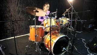 Обучение игре на ударных с нуля www.astanamusicstudio.kz