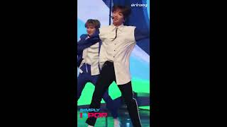 [Fancam/직캠] Jeong Sewoon(정세운) _ YDPP _ LOVE IT LIVE IT _ Simply K-Pop _ 042018 - Stafaband