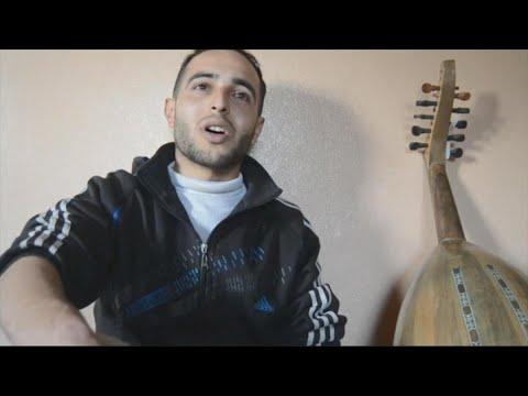 فن الخط والموسيقى وسيلتان ترسمان الأمل على وجه شاب سوري  - 20:22-2018 / 1 / 22