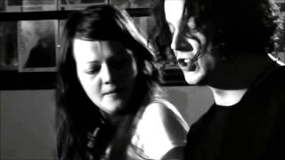 Jack White sings White Moon to Meg