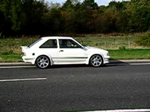 ford escort rs turbo series 1 custom pulling away one youtube. Black Bedroom Furniture Sets. Home Design Ideas
