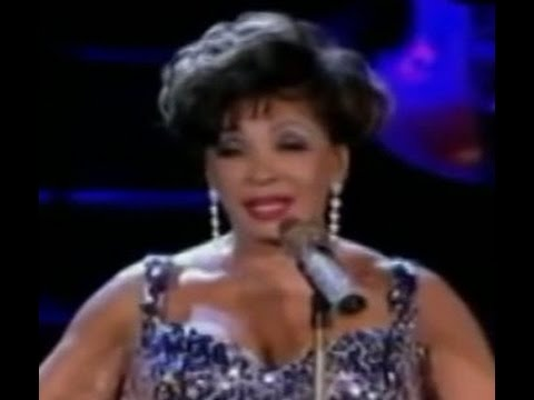 Shirley Bassey - After The Rain (w/ Richard Hawley) (2009 Live at Electric Proms)