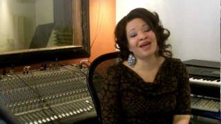Voice Lessons & Vocal Exercises - Eve Soto - Bruno Mars - Sustaining, Breathing & Flexibility