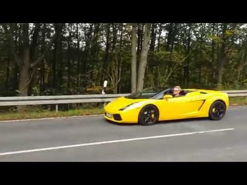Showing off a Yellow Lamborghini Gallardo Spyder 2006 (Giallo Midas)