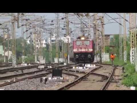 12834 HWH-ADI Express skips SZB with SRC WAP-4 in lead