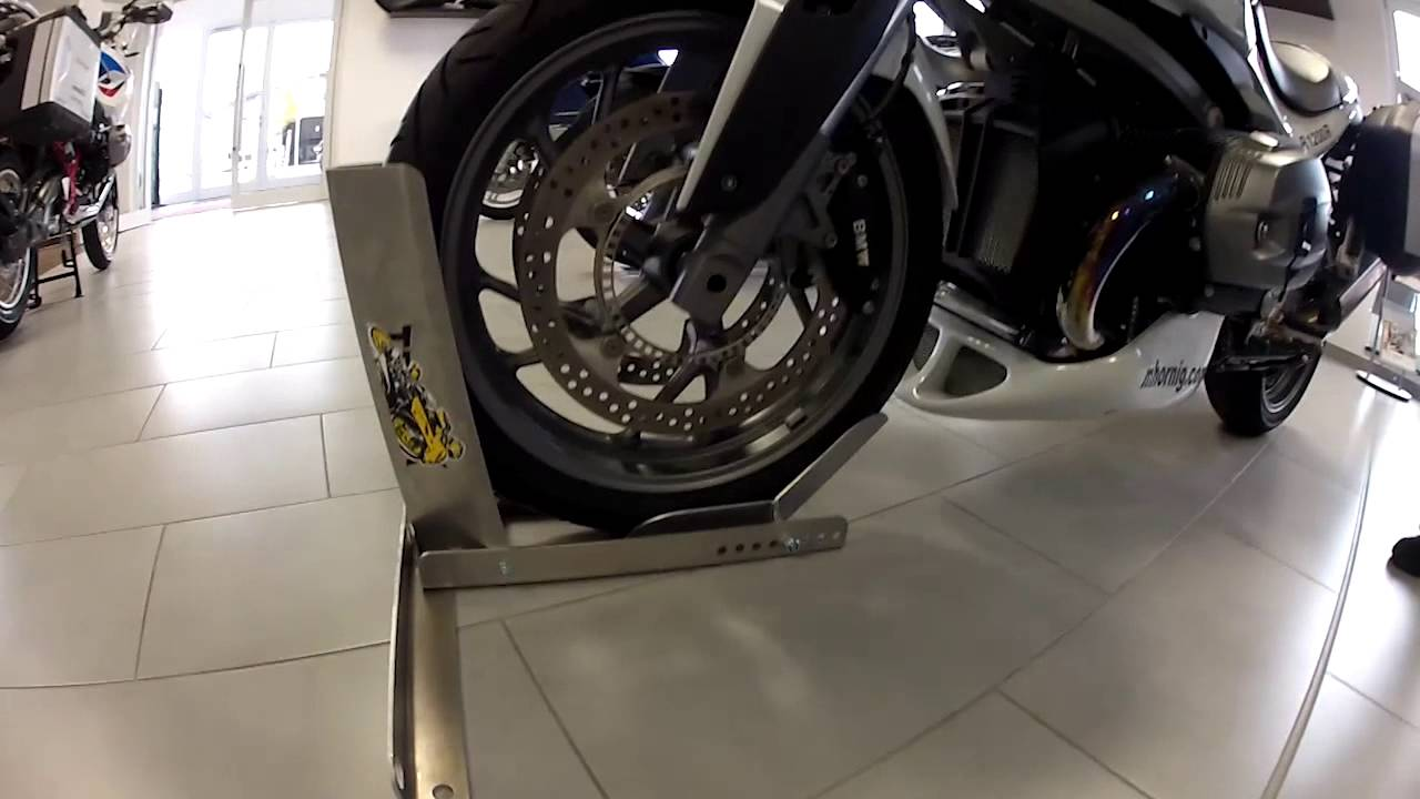 motorrad wippe motorcycle stand youtube. Black Bedroom Furniture Sets. Home Design Ideas