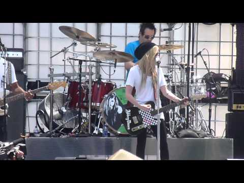 Avril Lavigne  What The Hell  @ MMVA Rehearsal