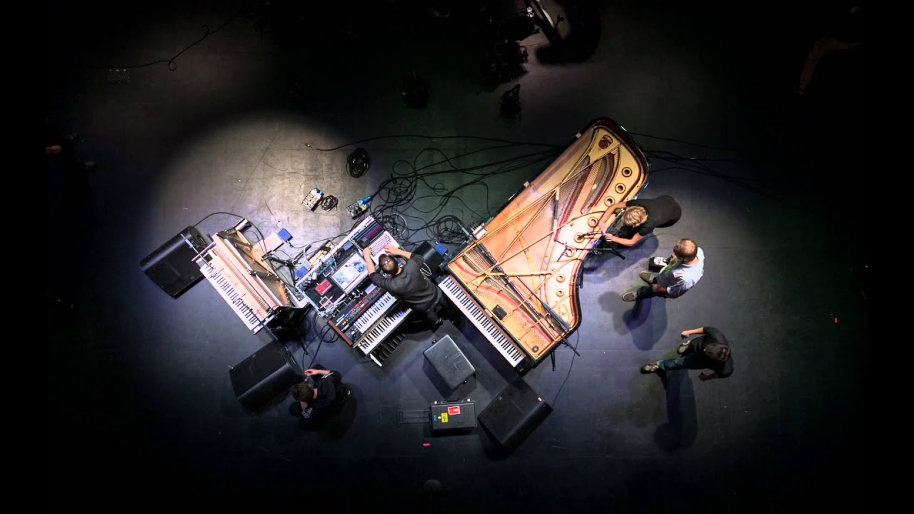 Download Nils Frahm - Hammers (Official Music Video)