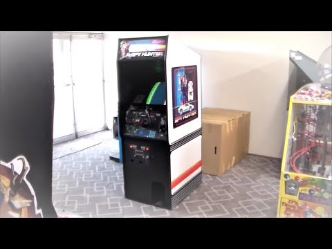 Watch A Pro Teach Us How To Play Our 1983 Spy Hunter Arcade Game!