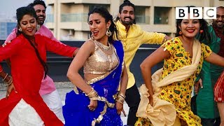 Anita Rani learns to perform like a Bollywood star - BBC