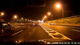 DOD LS300W 夜間高速公路