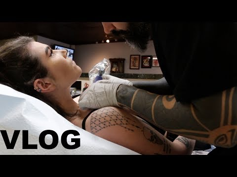 Come get tattooed with me - VLOG