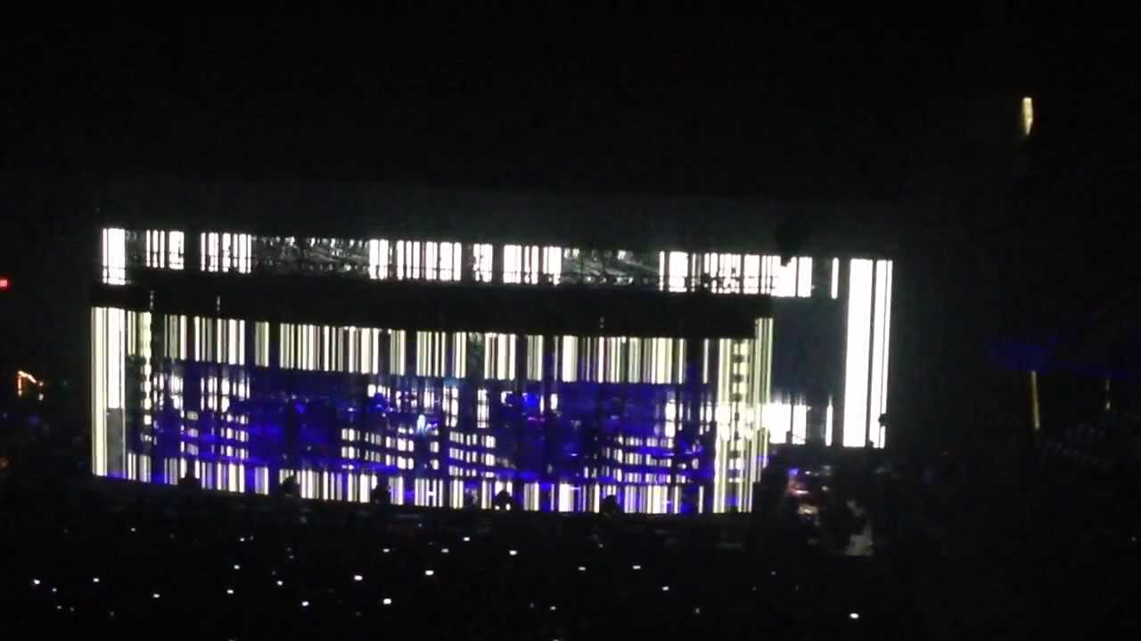 Nine Inch Nails St. Louis MO 10.01.2013 Disappointed - YouTube
