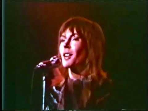 HELEN REDDY - I BELIEVE IN MUSIC - THE TROUBADOUR 1972 - MAC DAVIS