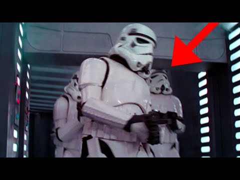 9 Movie Extras Who Completely Ruined Their Scenes