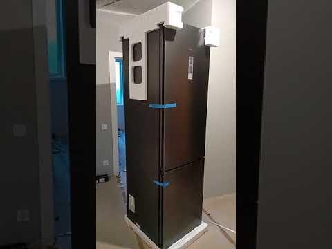 Двокамерний холодильник SIEMENS KG39NXX316