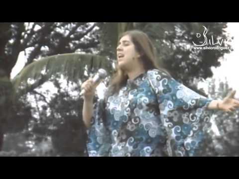 Sara González - Su nombre es Pueblo