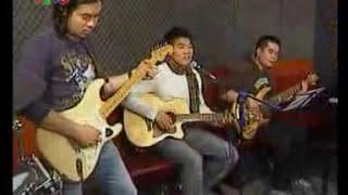 Tạ Quang Thắng - Hà Nội níu bóng em (Live in Studio version)