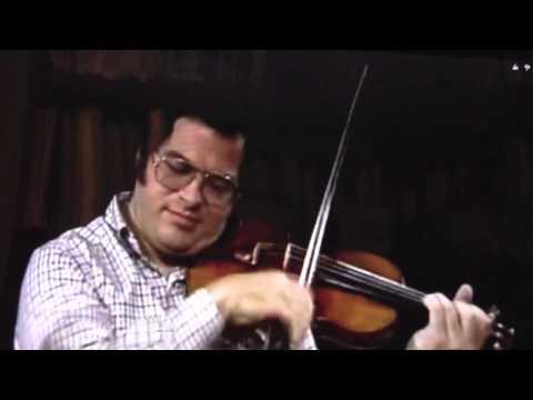 Itzhak Perlman playing violin on 3 strings