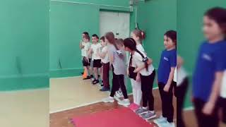 Урок физической культуры в начальной школе.