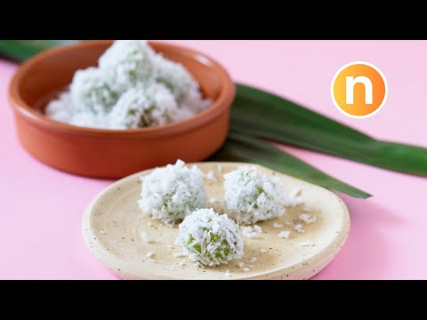 Pandan-Flavored Glutinous Rice Balls with Palm Sugar | Onde-