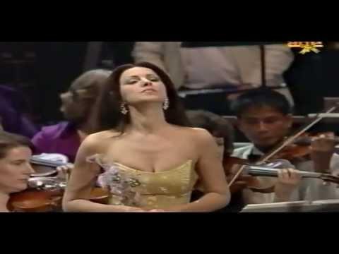 Angela Gheorghiu - Last Night of the Proms - Royal Albert Hall - September 2003