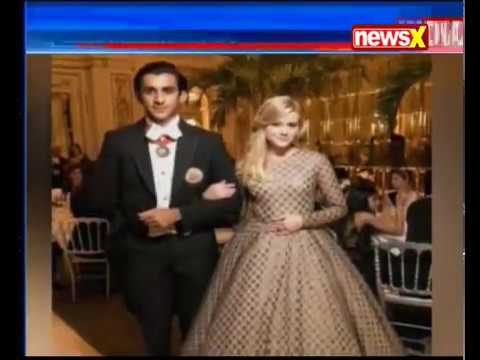 India shines at Le Bal in Paris; Jaipur Maharaja escorts Reese Witherspoon's daughter Ava Phillippe