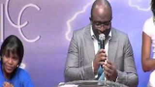ICC Gospel Choir - Serre moi dans tes bras