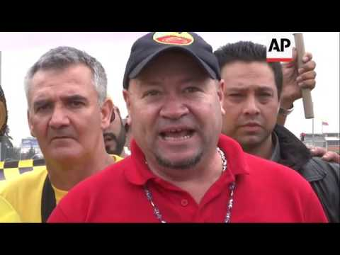 Colombian cab drivers protest use of Uber