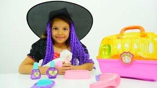 Видео с игрушками для девочек. Колдуем игрушки с маленькой ведьмой Кати!