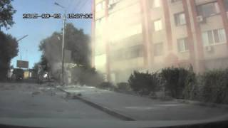 Russian Flower Truck Crash 9/25/2015 Crazy Dash Cam