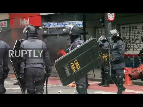 Brazil: Clashes in Sao Paolo as Brazil faces first general strike in two decades