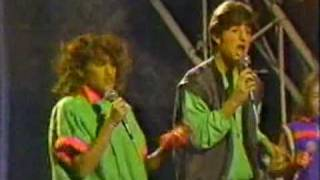 Kids incorporated - Goody two shoes (1984)