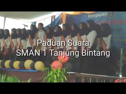 Paduan suara SMAN 1 Tanjung Bintang