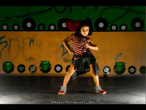 Malhari Dance By  Divya Hindurao  krump girl  small girl  choreography By  Sunny Hindurao