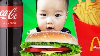 뽀로로 짜장면 햄버거 먹기 놀이 Learn Colors with Pororo Black Noodle Hamburger pretend play for kids & children