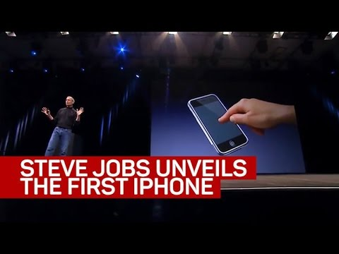 Steve Jobs unveils the iPhone