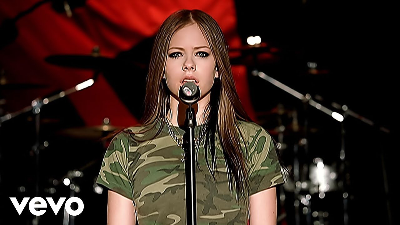 Avril Lavigne - Losing Grip (Official Music Video)