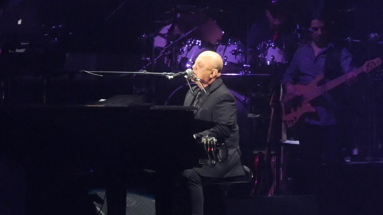 Piano man billy joel madison square garden new york 3 21 - Billy joel madison square garden march 3 ...