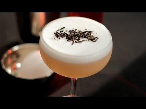 """El Montelobos """"Smoked Tea Sour"""" Coctel - El Servir Propio con Charlotte Voisey - Small Screen"""