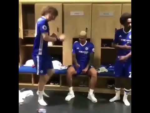 Chelsea players acrobatic dancing to WO