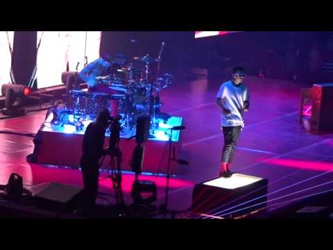Twenty One Pilots - Guns For Hands - Live at Nationwide Arena in Columbus, OH on 6-24-17